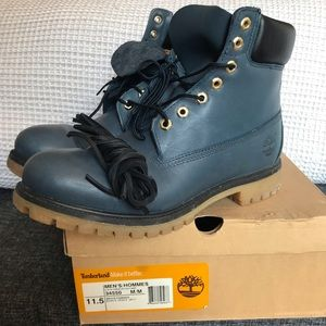 Timberland 6in Boot in Navy and Black